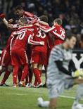 <p>Mario Gomez, do Bayern, celebra com time após marcar contra o Inter de Milão, em partida da Liga dos Campeões. 23/02/2011 REUTERS/Stefano Rellandini</p>