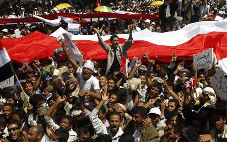 Anti-government protesters shout slogans demanding the ouster of Yemen's President Ali Abdullah Saleh outside Sanaa University March 4, 2011. REUTERS/Khaled Abdullah