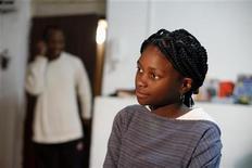 <p>Esther Aikpehae, sul-africana de 12 anos, fala à Reuters em sua casa, no sul de Tel Aviv, Israel, em 3 de março de 2011. Depois de estrelar filme vencedor do Oscar, a garota pode ser deportada do país. 03/032011 ISRAEL-OSCAR/CHILD REUTERS/Nir Elias</p>