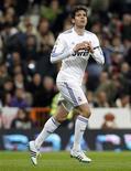 <p>Kaka, do Real Madrid, comemora gol contra a Real Sociedad em partida do Campeonato Espanhol, no dia 6 de fevereiro de 2011. Com joelho esquerdo machucado, o jogador ficará afastado por 15 dias.06/02/2011 REUTERS/Andrea Comas</p>