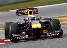 <p>Sebastian Vettel da Red Bull durante sessão de treino no circuito da Catalunha, na Espanha. Vettel renovou seu contrato com a equipe e vai permanecer na escuderia pelo menos até o final de 2014, anunciou a equipe austríaca nesta segunda-feira. 19/02/2011 REUTERS/Gustau Nacarino</p>