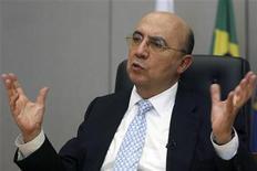 <p>Ex-presidente do Banco Central Henrique Meirelles fala em entrevista à Reuters, em setembro de 2009. Sua indicação para comandar a Autoridade Pública Olímpica (APO) ainda deve ser analisada pelo Senado. 18/09/2009 REUTERS/Roberto Jayme</p>