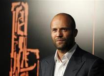 """<p>Jason Statham chega à estreia do filme """"Assassino a Preço Fixo"""" em Hollywood, na Califórnia. 25/01/2011 REUTERS/Fred Prouser</p>"""