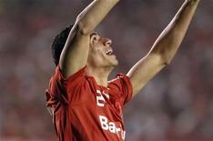 <p>Leandro Damião comemora gol marcado pelo Internaciona na final da Copa Libertadores de 2010 contra o Chivas, em Porto Alegre. 18/08/2010 REUTERS/Edison Vara</p>