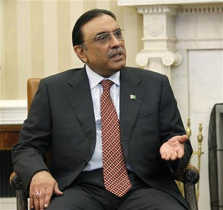 Pakistan's President Asif Ali Zardari is pictured during his meeting with President Barack Obama (not pictured) in the Oval Office of the White House in Washington January 14, 2011. REUTERS/Jason Reed