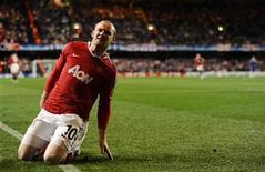<p>Wayne Rooney, do Mancheter United, comemora gol durante partida contra o Chelsea em Londres, em 6 de abril de 2011. O atacante teve negado seu recurso contra uma suspensão de duas partidas imposta pela federação inglesa de futebol. 06/04/2011 REUTERS/Dylan Martinez</p>