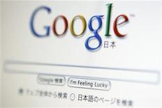 <p>Foto de archivo del buscador de internet Google visto desde un ordenador en Tokio, ago 19 2009. Los principales portales de internet de Corea del Sur presentaron el viernes una demanda contra Google ante los reguladores de la competencia, alegando que el gigante de las búsquedas está ahogando a la competencia en el mercado de búsquedas por internet en los móviles. REUTERS/Stringer</p>