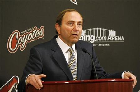 NHL Commissioner Gary Bettman talks during a news conference before the NHL game between the Phoenix Coyotes and the Vancouver Canucks in Glendale, Arizona March 8, 2011. REUTERS/Rick Scuteri