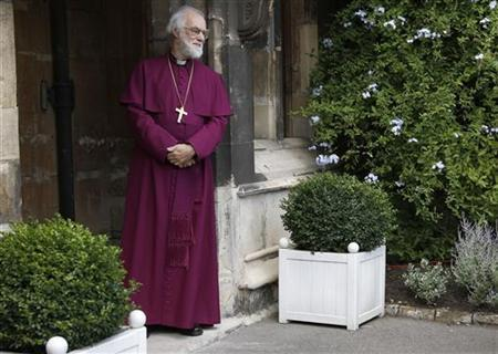 Archbishop of Canterbury, Rowan Williams, waits for Pope Benedict XVI to arrive at Lambeth Palace in London September 17, 2010. REUTERS/Stefan Wermuth