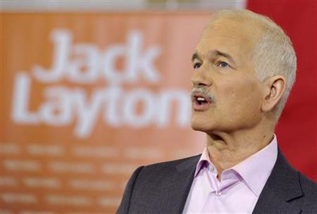 New Democratic Party (NDP) leader Jack Layton speaks to supporters at a campaign stop in Welland April 19, 2011. Canadians will go to the polls in a federal election on May 2. REUTERS/Mike Cassese