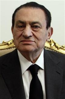 Egypt's President Hosni Mubarak attends a meeting with United Arab Emirates Foreign Minister Sheikh Abdullah bin Zayed al-Nahayan at the presidential palace in Cairo in this February 8, 2011 file photo. REUTERS/Amr Abdallah Dalsh/Files