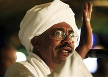<p>File photo of Sudan's President Omar Hassan al-Bashir addressing the nation after being re-elected at the NCP Headquarters in Khartoum April 26, 2010.REUTERS/Mohamed Nureldin</p>