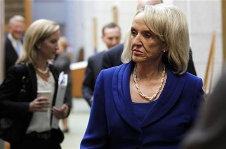 Arizona Governor Jan Brewer enters a news conference following a hearing over the state's SB1070 immigration law at the U.S. Ninth Circuit Court of Appeals in San Francisco, California November 1, 2010. REUTERS/Robert Galbraith