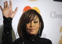 <p>Whitney Houston em evento em Beverly Hills, Estados Unidos, fevereiro de 2011. A cantora voltou a se tratar para combater a dependência de drogas e álcool, disse sua porta-voz. 12/02/2011 REUTERS/Phil McCarten</p>