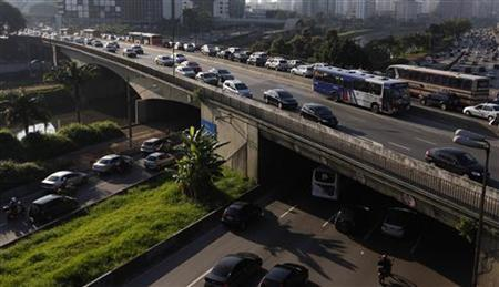 Vehicles are seen in a traffic jam during rush hour in Sao Paulo April 7, 2011. REUTERS/Nacho Doce