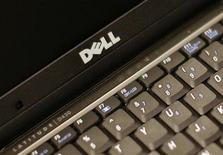 <p>Dell a dégagé des résultats bien supérieurs aux attentes de Wall Street au premier trimestre et a relevé dans la foulée ses prévisions annuelles disant anticiper une rentrée des classes porteuse et de fortes dépenses publiques. /Photo d'archives/REUTERS/Brendan McDermid</p>