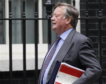 Justice Secretary Ken Clarke leaves 10 Downing Street after a cabinet meeting, June 15, 2010. REUTERS/Andrew Winning