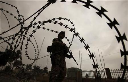 Archivbild: Bundeswehr-Soldat auf Patrouille in der afghanischen Stadt Iman Sahib am 15. Dezember 2010. REUTERS/Fabrizio Bensch