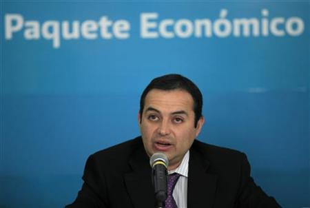 Mexico's Finance Minister Ernesto Cordero attends a news conference in Mexico City November 16, 2010. (MEXICO - Tags: BUSINESS POLITICS)