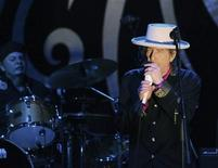 <p>Rock legend Bob Dylan performs in Ho Chi Minh city in this April 10, 2011 file photograph. REUTERS/Stringer/Files</p>
