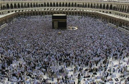 Muslim pilgrims circle the Kaaba at the Grand mosque in Mecca, during the annual haj pilgrimage, November 19, 2010. REUTERS/Fahad Shadeed
