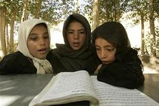 <p>Afghan schoolgirls read in chorus at a class at the Bariky Chaedam primary school in the outskirts of Bamiyan in this file photo. REUTERS/File</p>