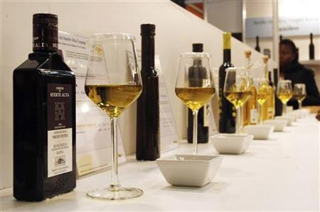 Olive oils are seen at ''Barcelona Degusta'' the 3rd edition of the consumer food show in Barcelona March 6, 2009. REUTERS/Albert Gea