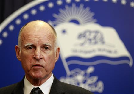 California Governor Jerry Brown speaks after vetoing the budget passed the day before by state legislators in Los Angeles, June 16, 2011. REUTERS/Lucy Nicholson