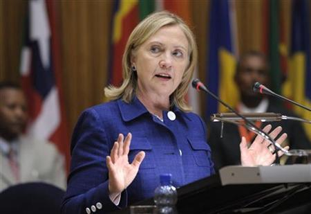 United States Secretary of State Hillary Clinton addresses the African Union Commission at the African Union Commission headquarters in Addis Ababa, Ethiopia, June 13, 2011. REUTERS/Susan Walsh/Pool