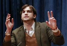 <p>Actor Ashton Kutcher speaks during a news conference at the United Nations Headquarters in New York, November 4, 2010. REUTERS/Brendan McDermid</p>