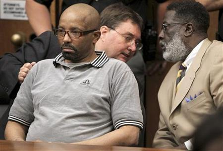 Convicted rapist and serial killer Anthony Sowell listens as the guilty verdicts are read at the conclusion of his murder trial in Cleveland, July 22, 2011. REUTERS/Marvin Fong / The Plain Dealer/Pool