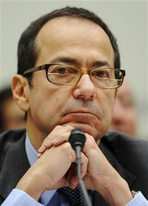 Hedge fund director John Alfred Paulson, president of Paulson & Co Inc, testifies before a US House Oversight and Government Reform Committee hearing on the regulation of hedge funds, on Capitol Hill in Washington, in this November 13, 2008 file photo. REUTERS/Jonathan Ernst/Files