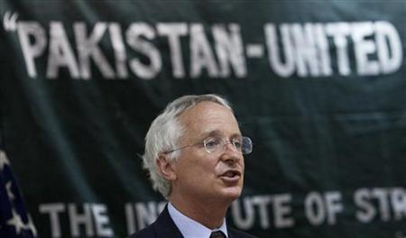 U.S. ambassador to Pakistan Cameron Munter delivers a lecture on ''Pakistan-United States: A way Forward,'' at the Institute of Strategic Studies in Islamabad April 11, 2011. REUTERS/Faisal Mahmood