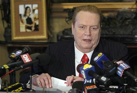 Larry Flynt, head of Larry Flynt Publications, speaks to the news media about the Washington sex scandal involving U.S. Senator David Vitter (R-LA) and accused ''D.C. Madam'' Deborah Jean Palfrey and the possibility that other high-ranking U.S. elected officials may be involved during a news conference in Beverly Hills, July 11, 2007. REUTERS/Gus Ruelas