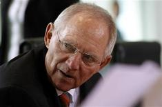 <p>German Finance Minister Wolfgang Schaeuble attends a cabinet meeting at the Chancellery in Berlin, September 14, 2011. REUTERS/Thomas Peter</p>
