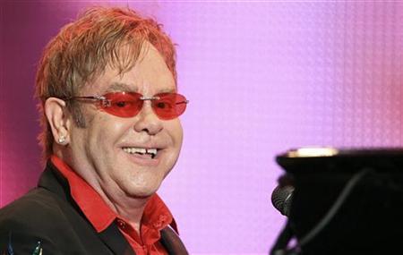 British musician Elton John performs at the Rock in Rio Music Festival in Rio de Janeiro September 23, 2011. REUTERS/Sergio Moraes