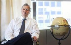 <p>Jamie Dimon, CEO and chairman of JPMorgan Chase & Co., poses for a portrait in his office in New York, in this photo taken December 22, 2010. REUTERS/Lucas Jackson</p>