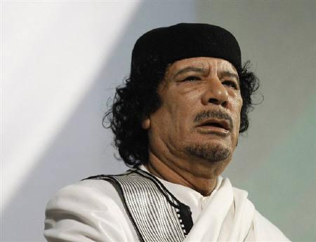 Libyan leader Muammar Gaddafi gives a speech in Rome in this August 30, 2010 file photo. REUTERS/Max Rossi/Files