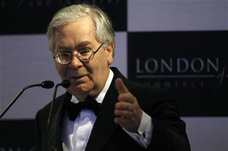 Bank of England Governor Mervyn King speaks at the Asian Business Association annual dinner in London March 8, 2011. REUTERS/Suzanne Plunkett