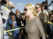 <p>Actress Lindsay Lohan arrives at Airport Courthouse in Los Angeles in this March 10, 2011 file photo. REUTERS/Mario Anzuoni/Files</p>