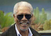 "<p>Actor Morgan Freeman arrives at the movie ""Dolphin Tale"" world premiere in Los Angeles, California September 17, 2011. REUTERS/Gus Ruelas</p>"