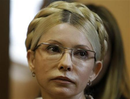 Ukrainian ex-prime minister Yulia Tymoshenko attends a session at the Pecherskiy district court in Kiev October 11, 2011. REUTERS/Gleb Garanich