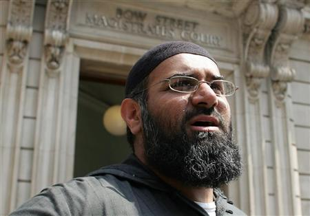Anjem Choudary arrives at Bow Street Magistrates Court in London July 4, 2006. REUTERS/Stephen Hird