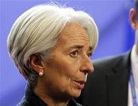 """<p>La directrice générale du Fonds monétaire international (FMI) Christine Lagarde a déclaré que les perspectives économiques mondiales étaient """"assez moroses"""" et nécessitaient que tous les pays, les Etats européens en tête, agissent pour faire face à une crise de plus en plus menaçante. /Photo prise le 9 décembre 2011/REUTERS/François Lenoir</p>"""