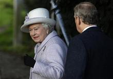 <p>Britain's Queen Elizabeth and Prince Edward arrive for a Christmas Day service at St Mary Magdalene Church on the Royal estate at Sandringham, Norfolk in east England, December 25, 2011. REUTERS/Suzanne Plunkett</p>