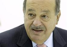 <p>Chairman of Grupo Carso Carlos Slim of Mexico speaks during an interview with Reuters at the ITU Telecom World in Geneva October 24, 2011. REUTERS/Denis Balibouse</p>