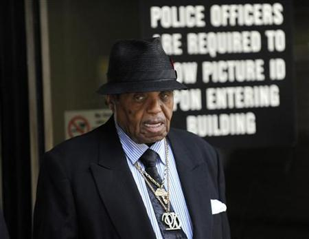 Joe Jackson, father of the late pop star Michael Jackson, leaves the courthouse during Dr. Conrad Murray's trial in the death of his son in Los Angeles September 28, 2011. REUTERS/Gus Ruelas