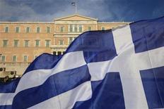 <p>L'agence Standard & Poor's a abaissé la note à long terme CC et la note à court terme C de la Grèce à SD (Défaut sélectif). /Photo d'archives/REUTERS/Pascal Rossignol</p>