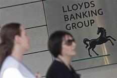 <p>Lloyds Banking Group a lancé la vente de 2,1 milliards de dollars australiens (1,7 milliard d'euros) de créances immobilières douteuses en Australie. /Photo d'archives/REUTERS/Stefan Wermuth</p>
