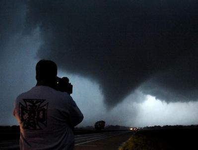 Tornadoes hit Plains states